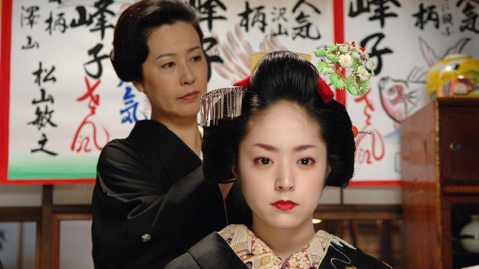 花いくさ〜京都祇園伝説の芸妓・岩崎峰子〜の井上真央